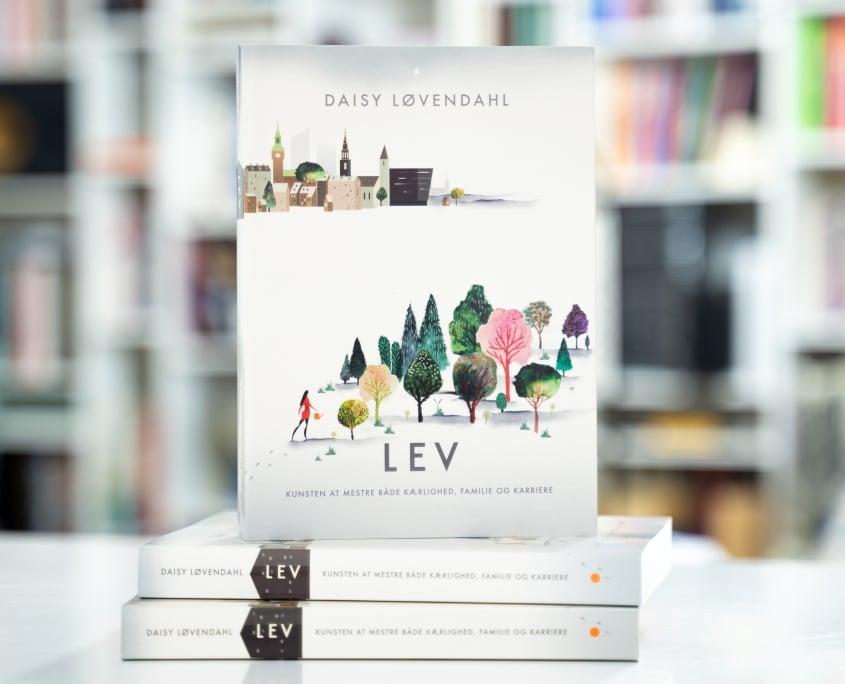 Bogen LEV af daisy Løvendahl